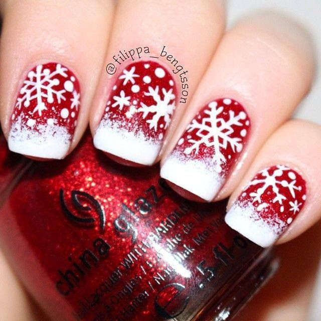 Snow in Christmas Nail Art