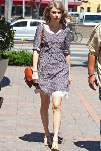 Cute Dress Wore by taylor swift
