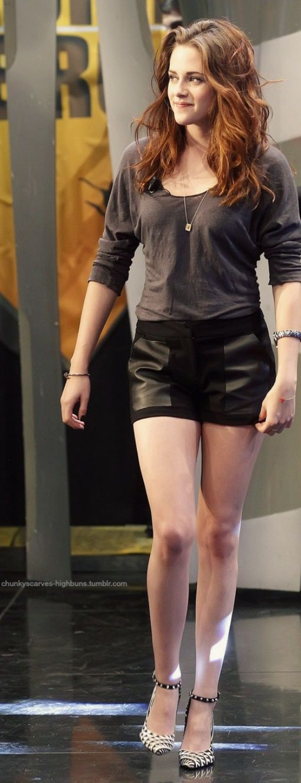 Kristen Stewart Knit Top With Short