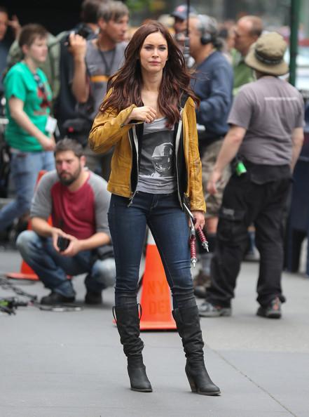 Megan Fox Outfit Street Style Celebrity Fashion Outfit Trends And Beauty Tips