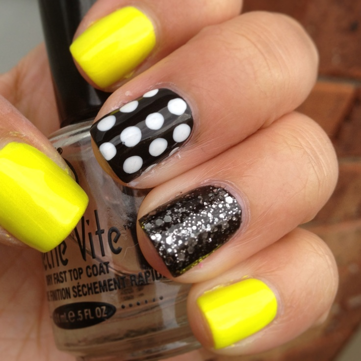 Yellow and black glittering neon nails art