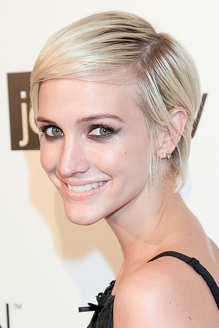 Ashlee Simpson Pixie cut