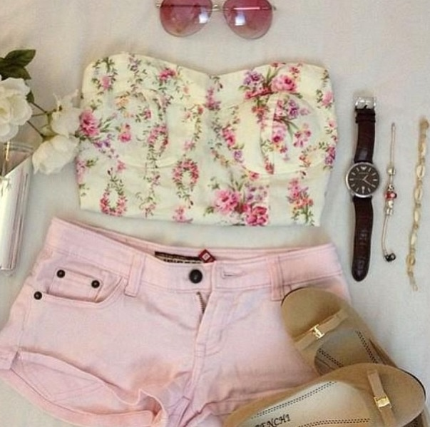 Floral Tops With Short Pink jeans for summer