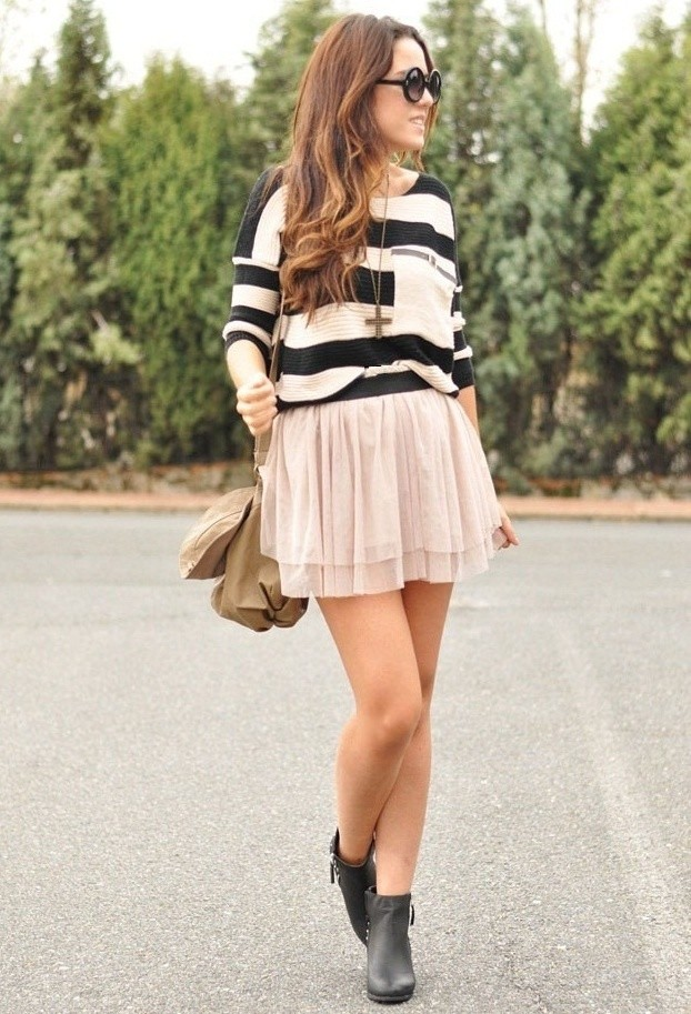 Fluffy Skirt With Stripped Sweater