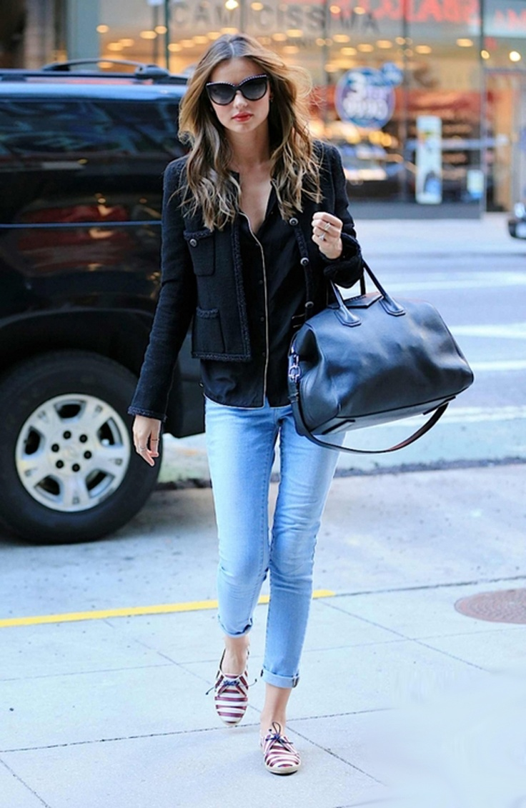 Miranda Kerr...loving those shoes.