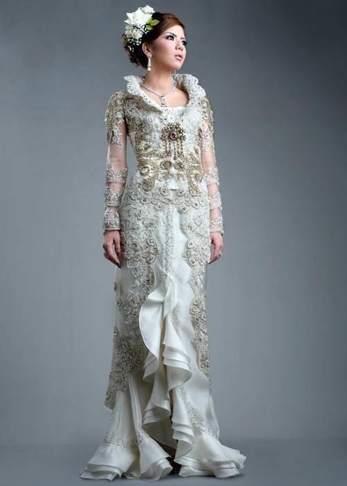 Wedding kebaya from Prestige by Inar