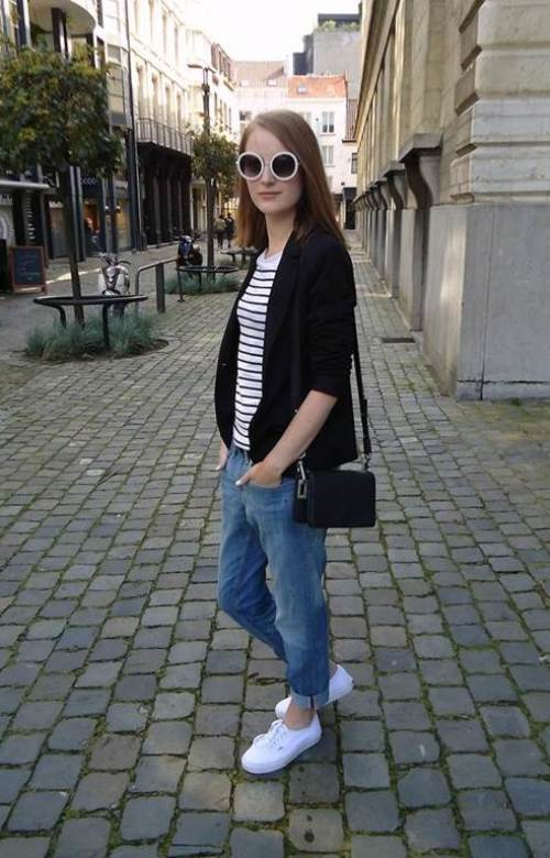 How To Style With Vans Sneakers Girl Celebrity Fashion Outfit Trends And Beauty Tips