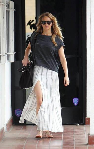 celebrity street style,jennifer lawrence style, jennifer lawrence outfit