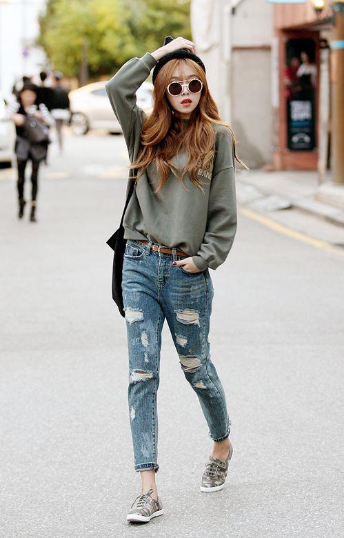 0446220efe Wear Distressed Denim » Celebrity Fashion