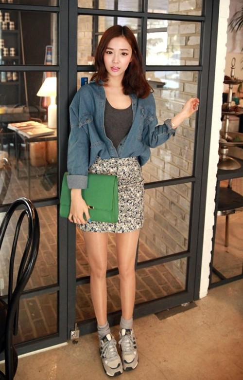 spring famous flora skirt with sneaker