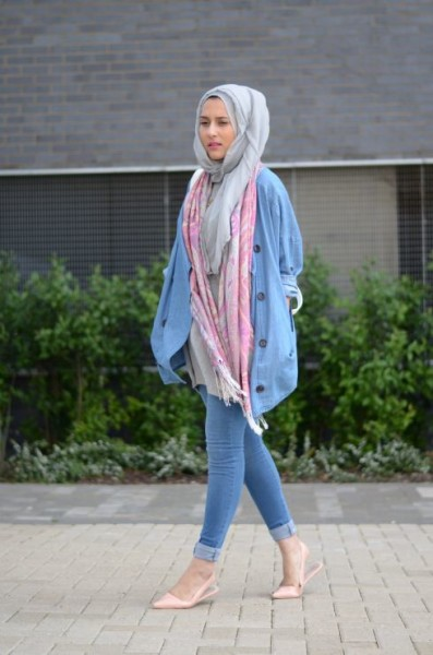 Wear Hijab with Jeans for Chic look