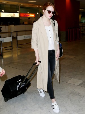 Emma Stone's Classic Airport Style