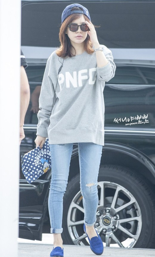 SNSD Sunny airport fashion