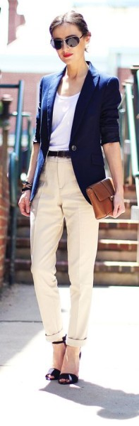 simple navy-khaki combo. To optimize the standard color pallete, pick a belt that matches bag and shoes.