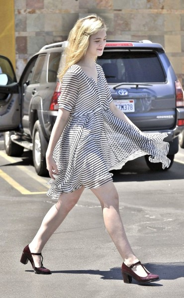 Elle Fanning Street Style:In Every Way So Chic!