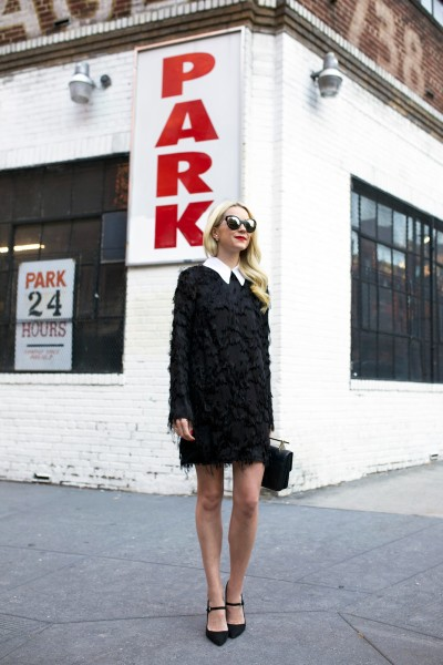 2.-fur-collar-dress-with-black-shoes