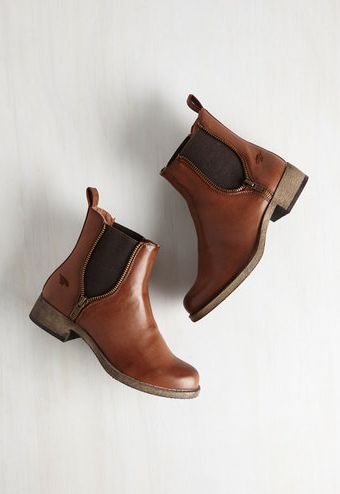 Ankle Boots\10 Must-Have Women Shoes To Make Perfect Outfit
