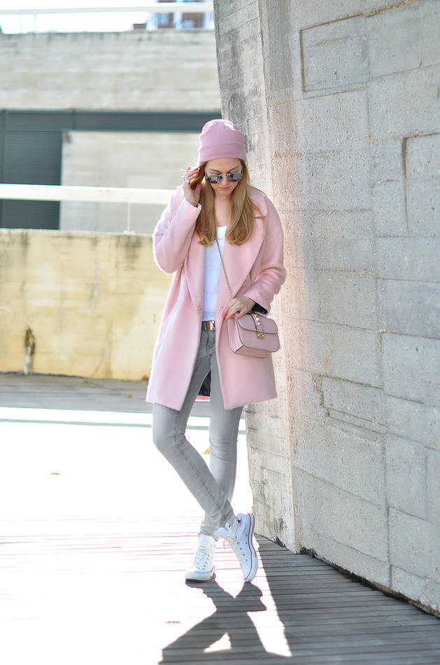 78747bc4090 Picked Color  Trend Pink Outfit For Winter 2016 » Celebrity Fashion ...