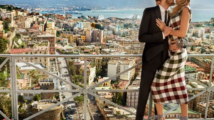 Gigi Hadid and Zayn Malik Romantic Kiss For 'Vogue'