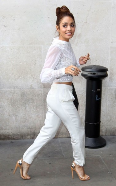 Vanessa Hudgens All white Outfit