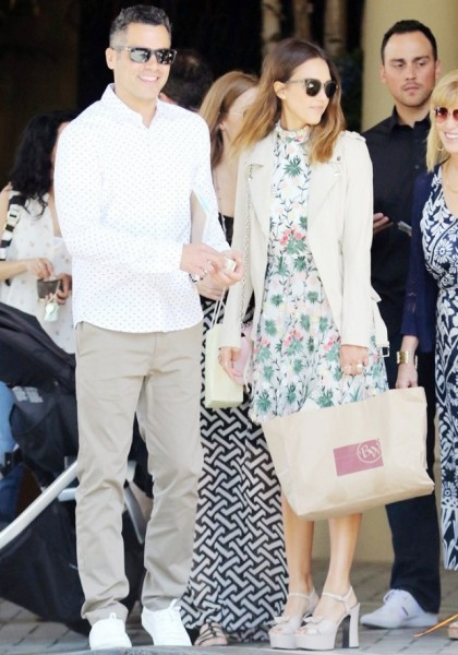 Jessica Alba The styling secret is to pair the dress with neutral pieces, like a jacket or sandal.