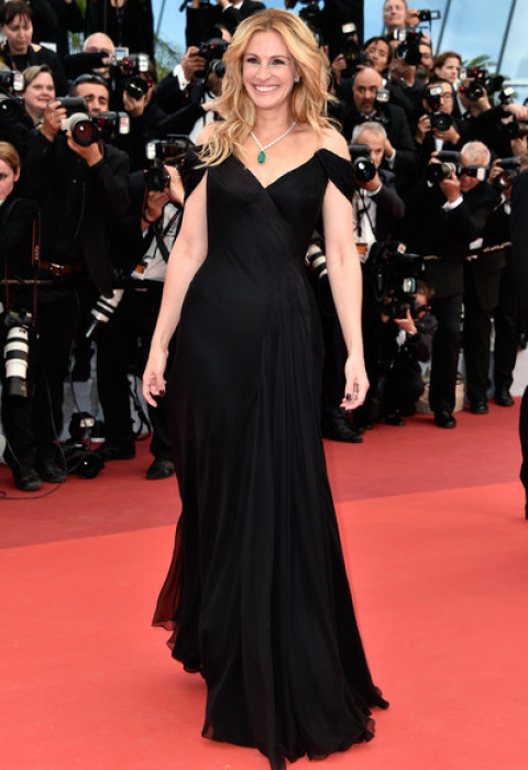 Julia Roberts in Armani Prive