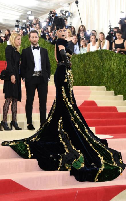Katy Perry wears Prada