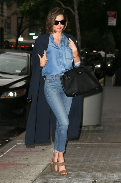 Miranda Kerr rocked denim on denim with this Mother jeans and 7 For All Mankind shirt combo.