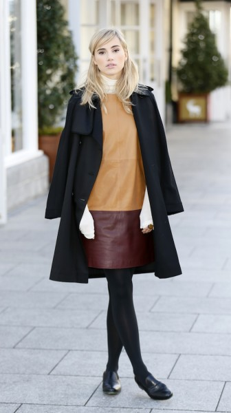Suki-Waterhouse-at-Kildare-Village-2