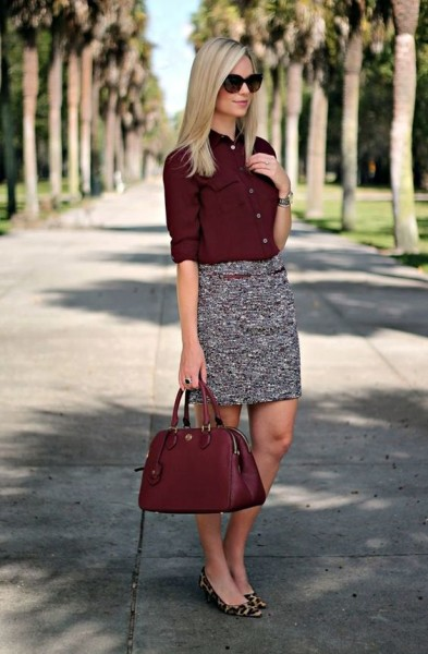 This is a skirt that can be worn to office as it is both flattering and formal, not to mention quite comfortable.