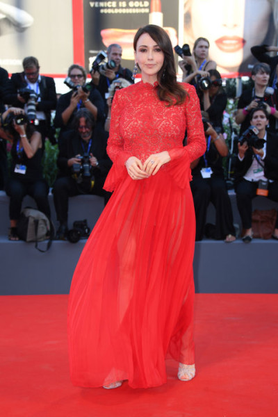 Anita Caprioli | Stunning Red Carpet Dresses From 2016 Venice Film Festival