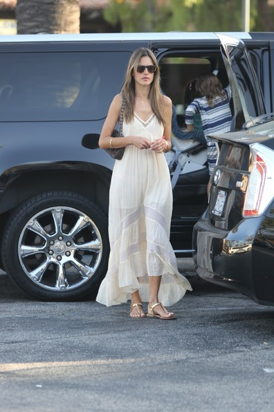 Alessandra Ambrosio's prairie-style maxi dress looked boho chic on the model.