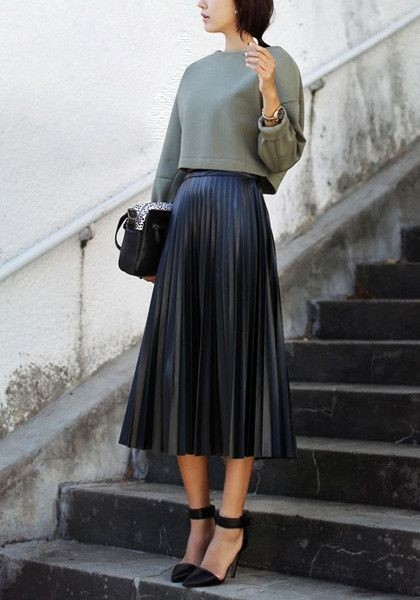 how to style with pleated skirt in chic ways