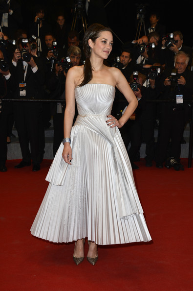 Marion Cotillard in  Christian Dior via  Pascal Le Segretain