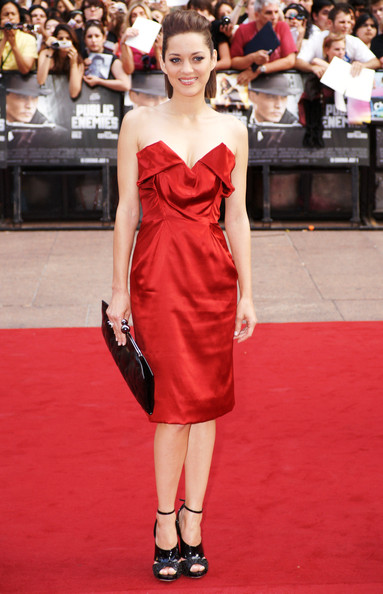Marion Cotillard in  Vivienne Westwood via  Dave Hogan - Getty Images Europe