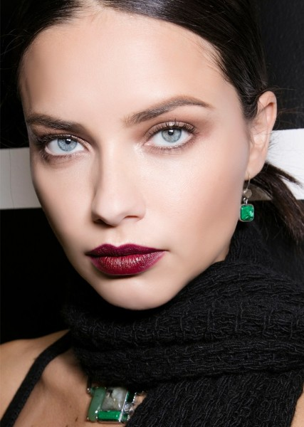 Soft Brows with Burgundy Lips | New Year's Eve Party Makeup Ideas You Should Try