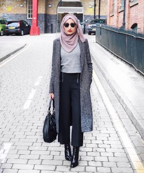long-grey-trench-coat-winter-chic-hijab- Winter hijab trends