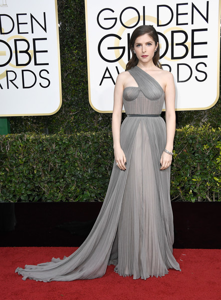 Anna Kendrick in Vionnet | Best Red Carpet Dresses from 2017 Golden Globes