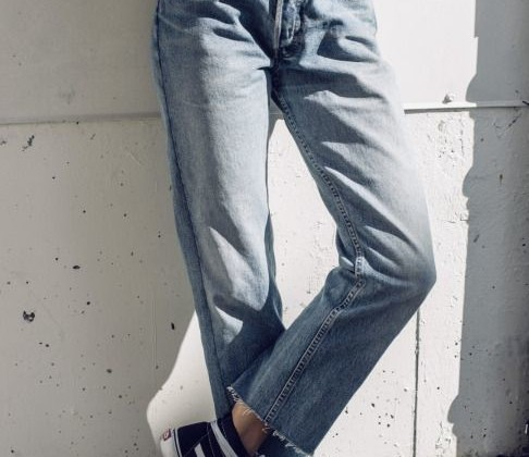How to Wear Loose Jeans Outfit Nowadays