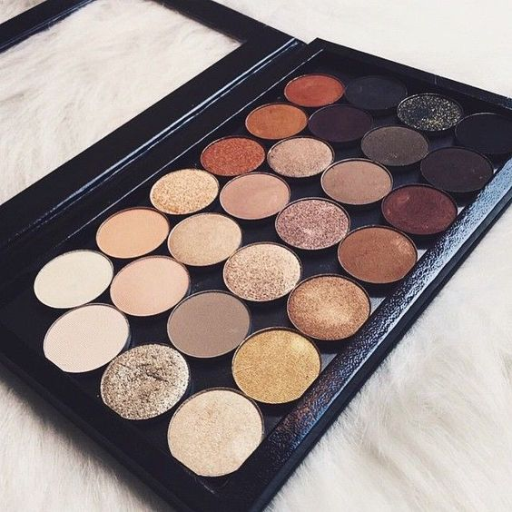 MAC Cool Neutral Times 15 Eyeshadow Palette