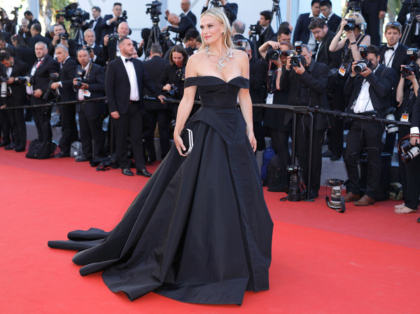 Molly Sims in Christian Siriano