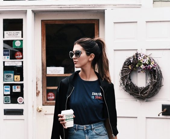 How to Wear A T-Shirt And Still Look Fashionable
