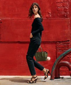 Shopping List: Fall Outfit Ideas From H&M | H&M Crêped Off-the-Shoulder Top, Boyfriend Low Ripped Jeans, Suede Sandals and Handbag