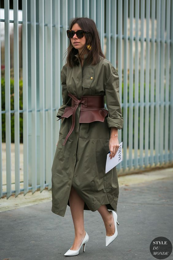 Natasha Goldenberg before the Loewe fashion show via Style Du Monde
