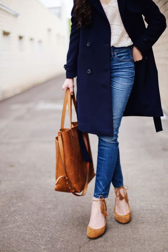 The Basic Mid Heels That Looks Good To Wear With Everything