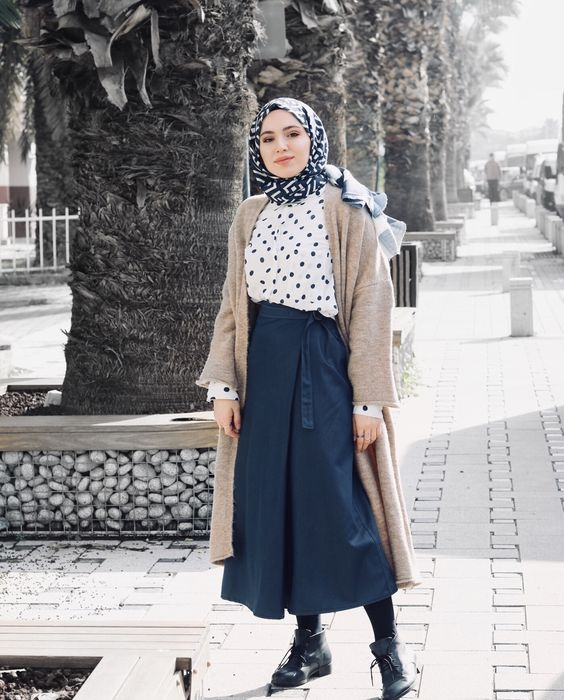 The Hijab Fashion Trend For Spring 2018 Everyone Is