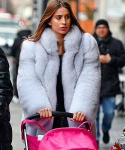 Ferne McCann was spotted taking her daughter Sunday out to lunch in Chelse in a fluffy fox jacket.