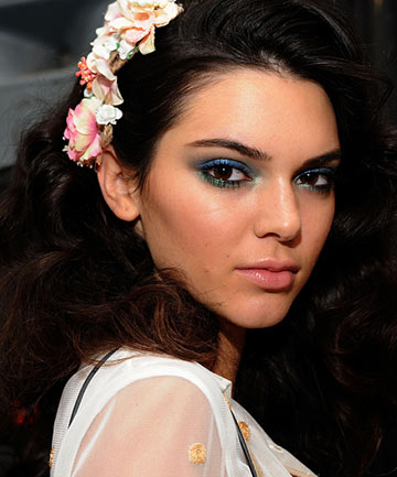 Kendall Jenner's gorgeous two-toned green-and-blue lids