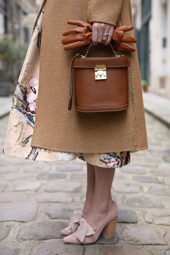 Neutral-Colored Handbags Trends That's About To Rule This ...
