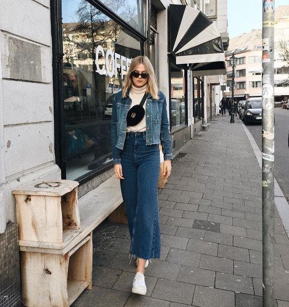 Wide Leg Frayed Jeans